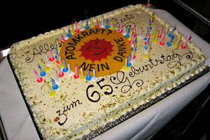 Antiatom-Geburtstagstorte